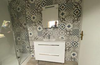 salle de bain effet carreaux de ciment